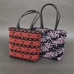 画像1: [印傳調]【期間限定特別価格】ファスナー付二本手バッグ(小)※柄はおまかせになります。 (1)