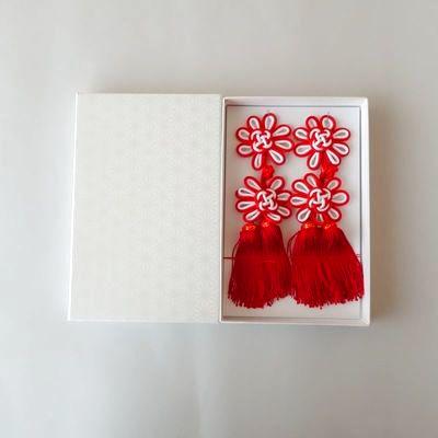 被布飾り 赤