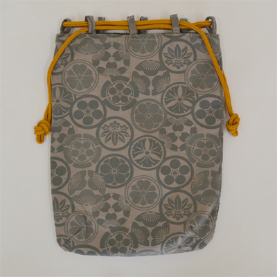 画像1: 【信玄袋】 信玄袋・平 家紋柄 グレー (1)