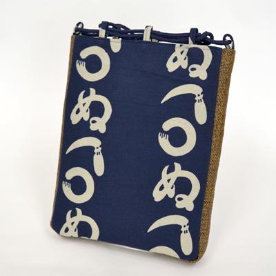画像1: 【信玄袋】 信玄袋・マチ付 かまわぬ柄 紺 (1)