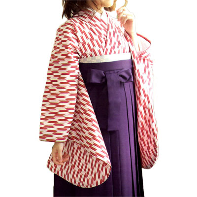 画像1: 【卒業衣装】【リニューアル】「2尺袖着物 はいからさん (矢絣)赤」  定番人気 卒業衣裳 卒業着物 矢絣 矢羽根 簡単着付け 可愛い 素敵 (1)