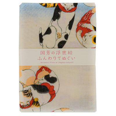 画像1: 【手拭い】【猫シリーズ】 国芳の浮世絵二重ガーゼ手拭い「蛸とふぐ」 粋 お土産 汗取り マスク 江戸 風刺 日本 アート 芸術 インテリア  (1)